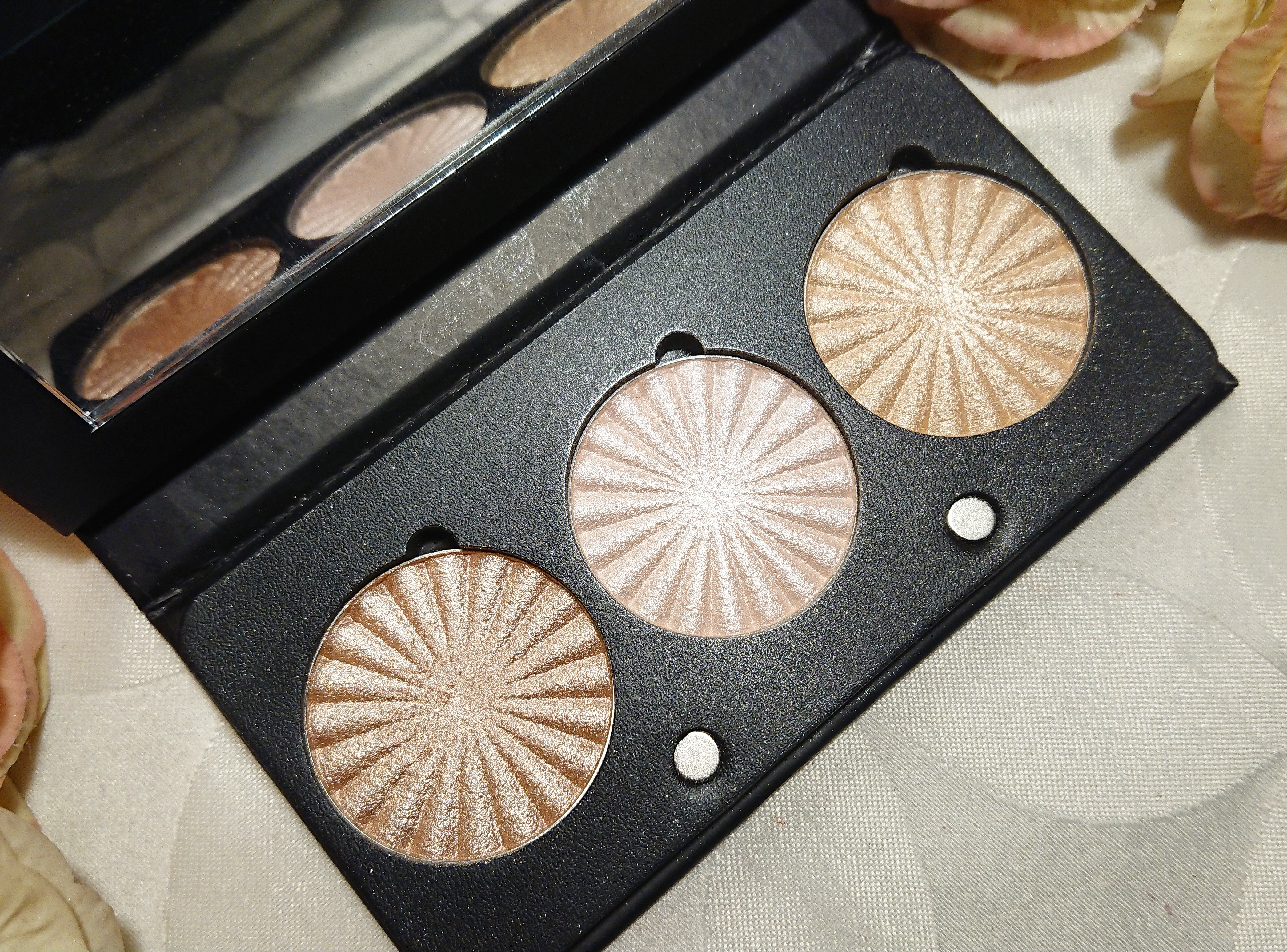 Ofra Feelin Myself Highlighter Palette Review Amp Swatches